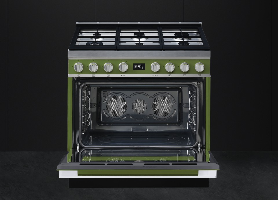 Extra-large oven cavity